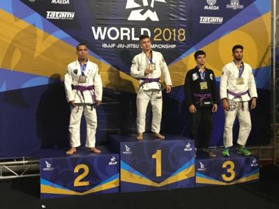 samuel_podium